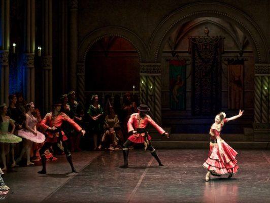 Tatevik Mkrtoumian, ballerina, antwerpen, balletschool antwerpen, balletschool belgie, ballet voor volwassenen, balletschool meir