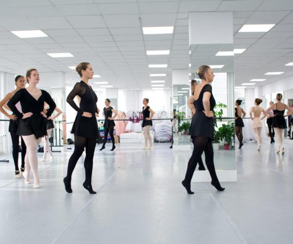 _DIM0510 Ballet Workout balletshool antwerpen, ballet voor kinderen en volwassenen, ballet voor volwassenen