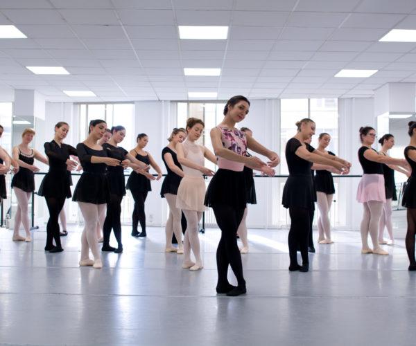 _DIM0608 Ballet Workout balletshool antwerpen, ballet voor kinderen en volwassenen, ballet voor volwassenen